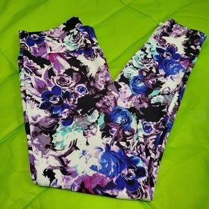 Bebe dress leggings. Size L